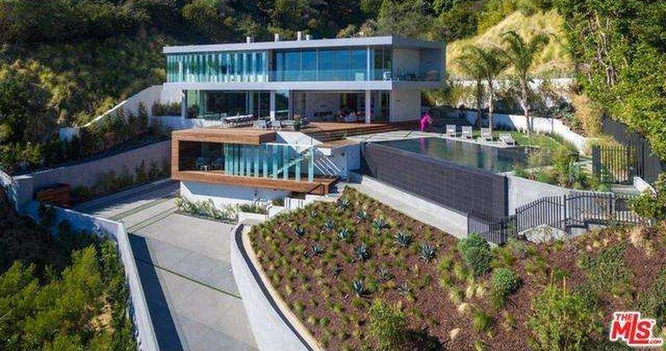 Hollywood Hills Home For Sale Hollywood Hills Homes Cool Mansions California Homes