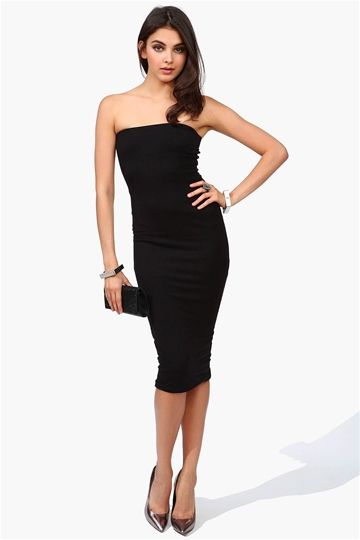 Sexy Black Dress - This dress has no straps and elastic band at top for comfort and fit. Pair with point toe pumps and a studded clutch!