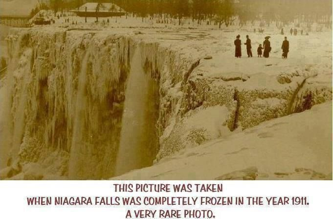 Niagara Falls was entirely frozen in 1911.