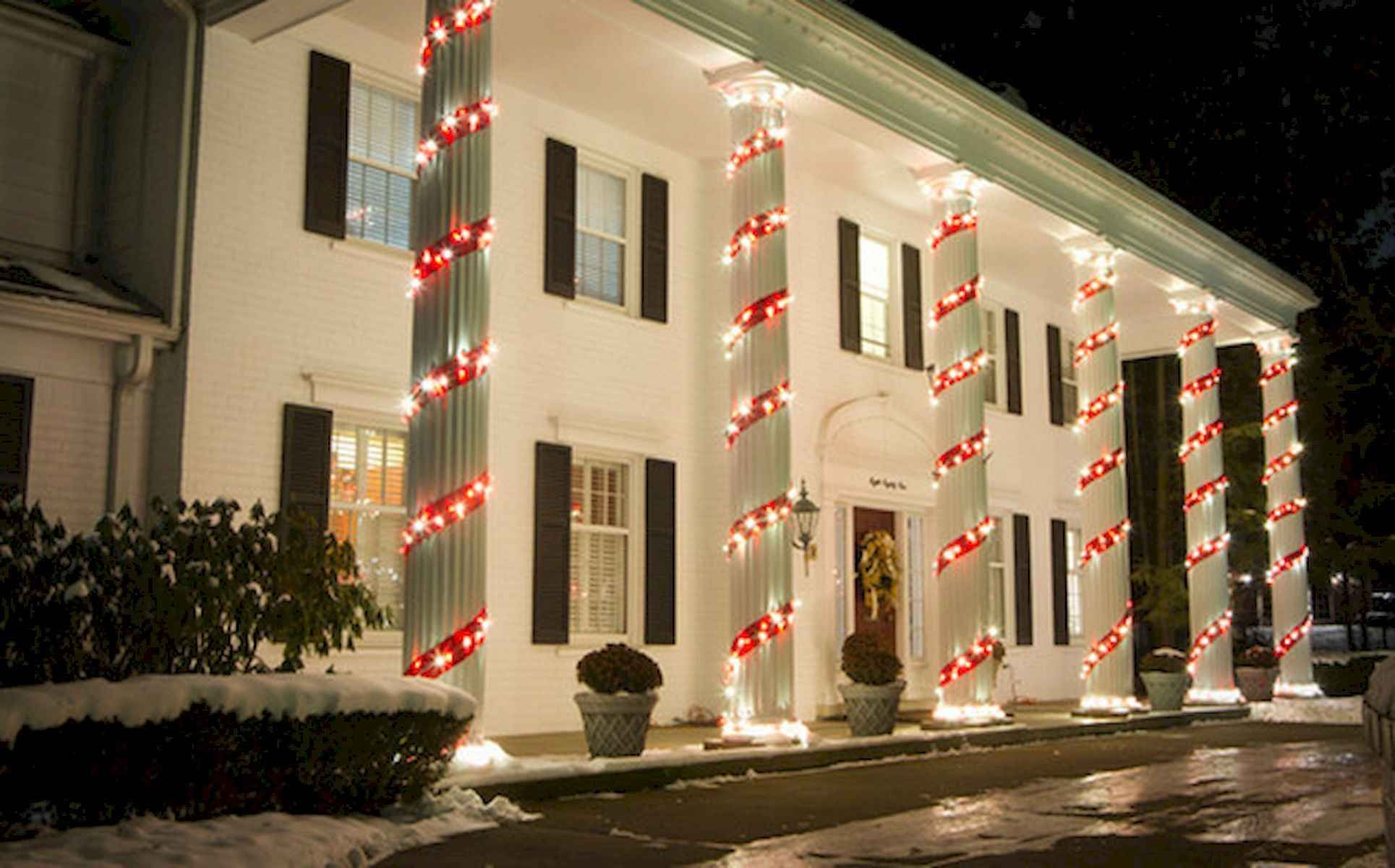 50 Awesome Christmas Front Porch Decor Ideas And Design 32