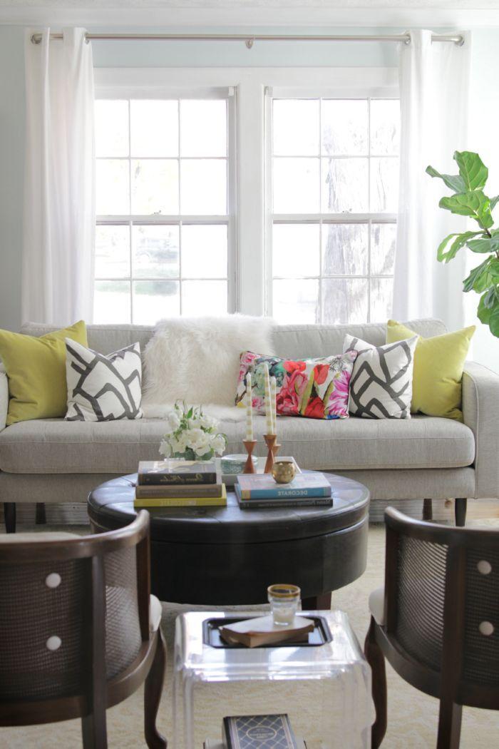 Moderne sofas runder couchtisch wohnzimmer einrichten ideen