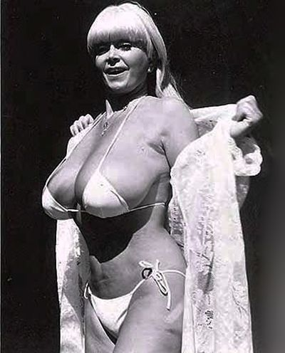 Nude school girl up skirt