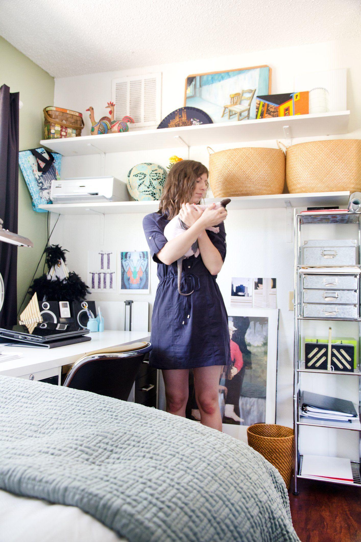 A Grad Student's Cozy 400 Square Foot Studio Apartment ...