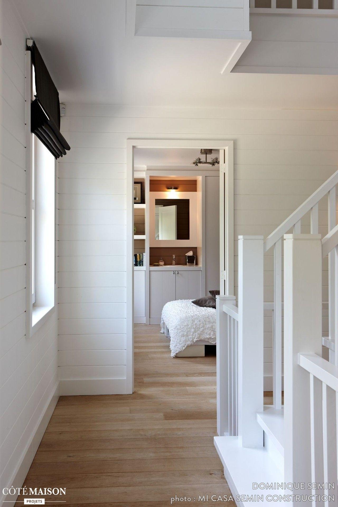 "Style Nouvelle Angleterre les escaliers blancs d'une maison style ""nouvelle angleterre"" | l"