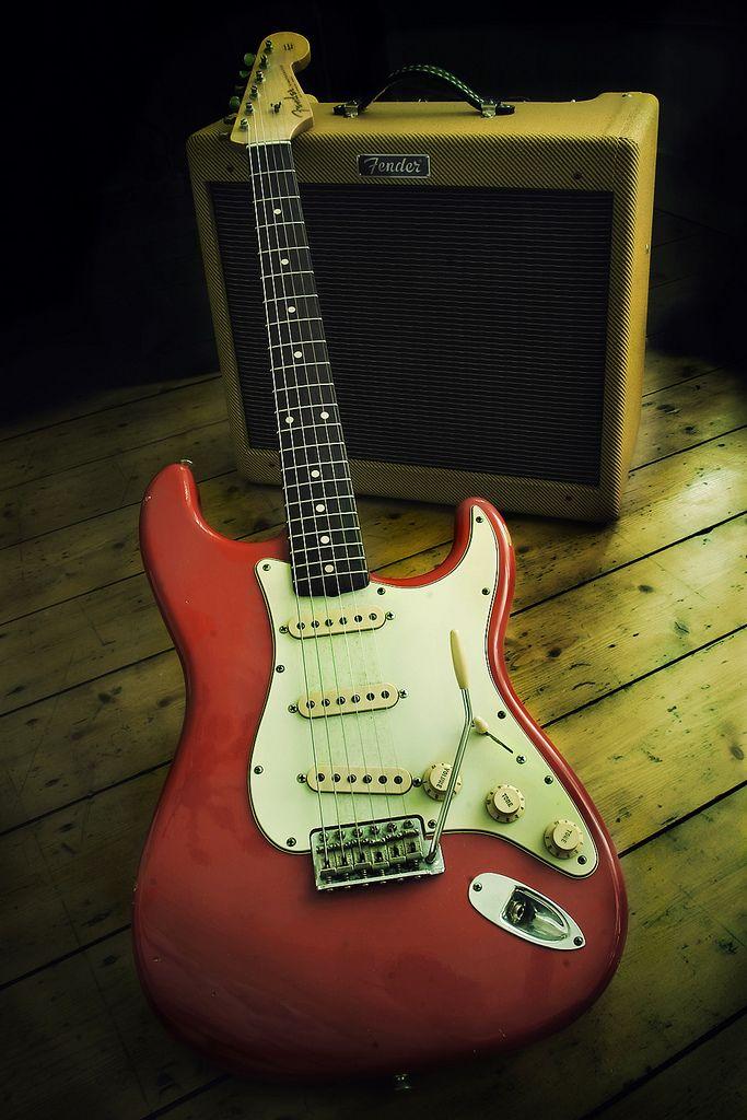 Fender 1960 Relic Stratocaster Fiesta Red 15w Blues Junior Fender