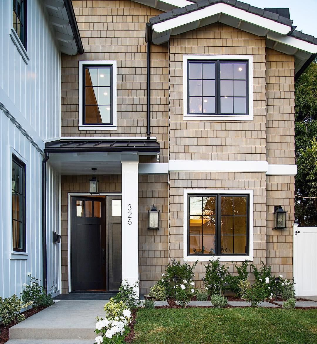 Tbt A Nod To East Coast Craftsmen Our Completed Bundy Project Features A Mix Of Cedar Si Modern Farmhouse Exterior Farmhouse Exterior Farmhouse Style House