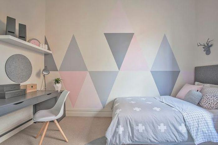 decoration chambre fille, lit couleur grise, linge de lit rose, gris