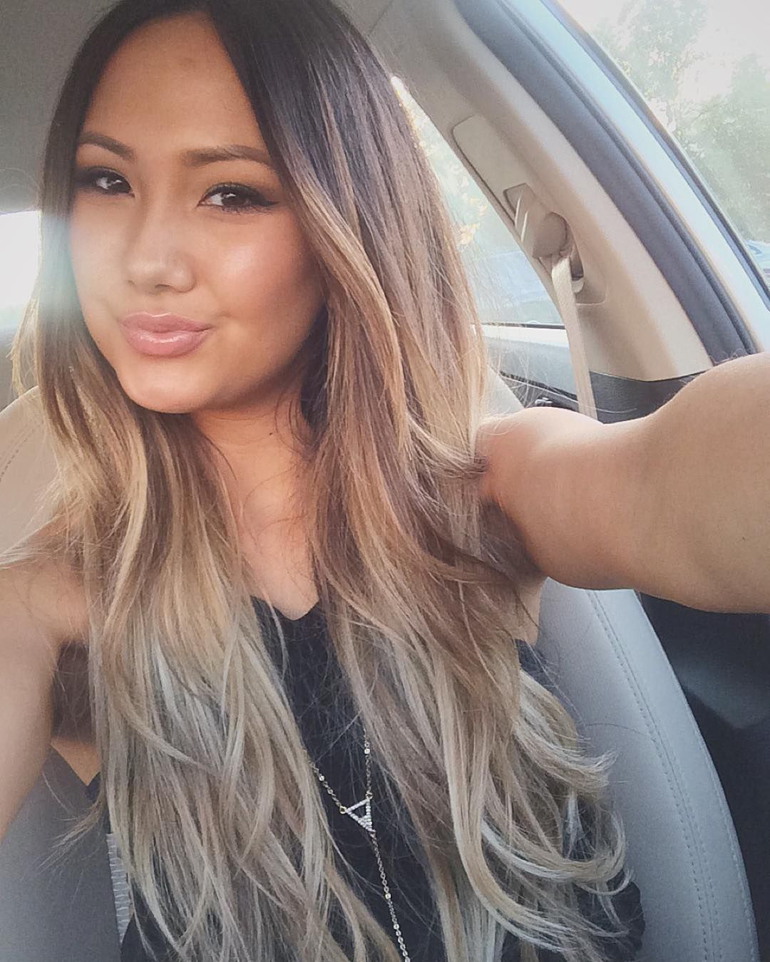 Here S Why All Your Asian Girlfriends Are Going Blond Blonde Asian Hair Tan Skin Blonde Hair Hair Color Asian