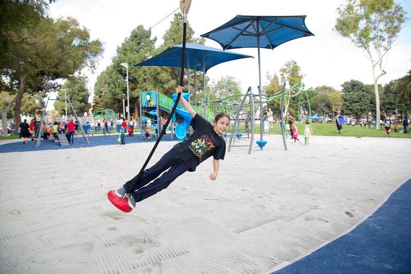 Brand New Zip Line In Bolivar Park Lakewood Ca Ziplining Park Playground