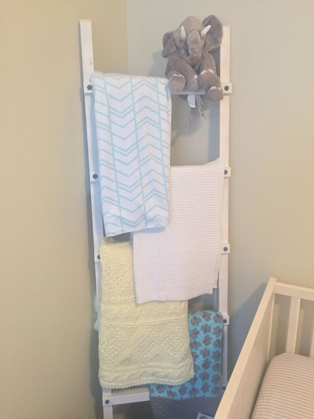 Blanket ladder nursery diy elephant blanket ladder