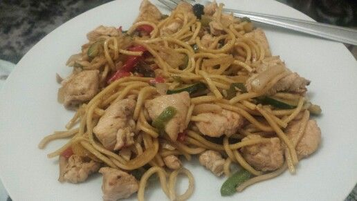 Chicken & egg noodles stir fry with peanut butter sauce!
