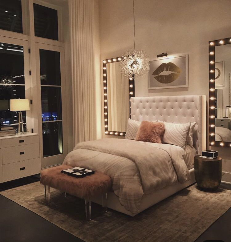 Light Up Full Length Mirror | Apartment room on Mirrors For Teenage Bedroom  id=91739