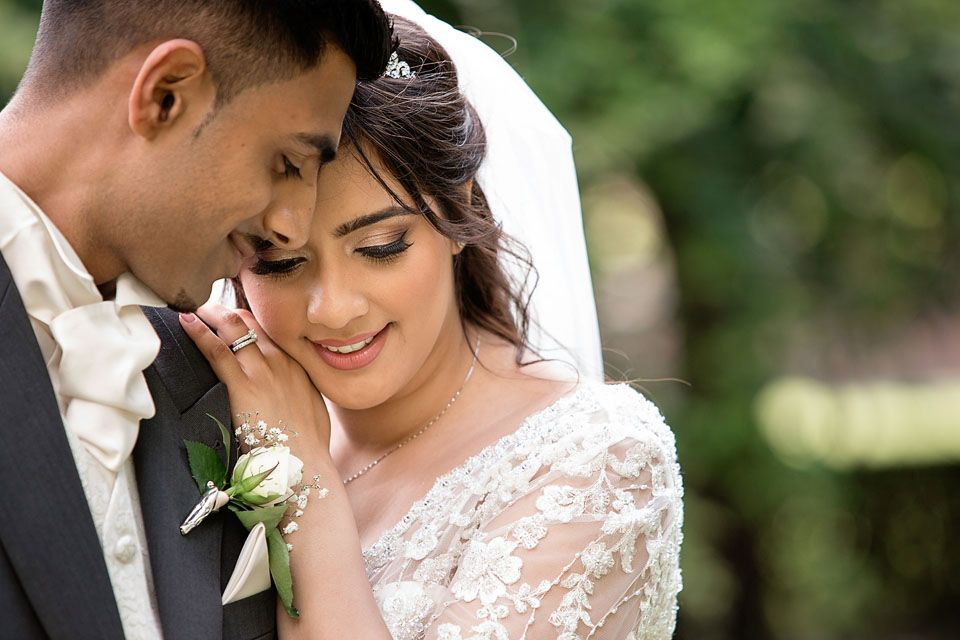 Capture The Best Moments With Asian Wedding Photography London Asian Wedding Photography Wedding Couples Photography Wedding Photography