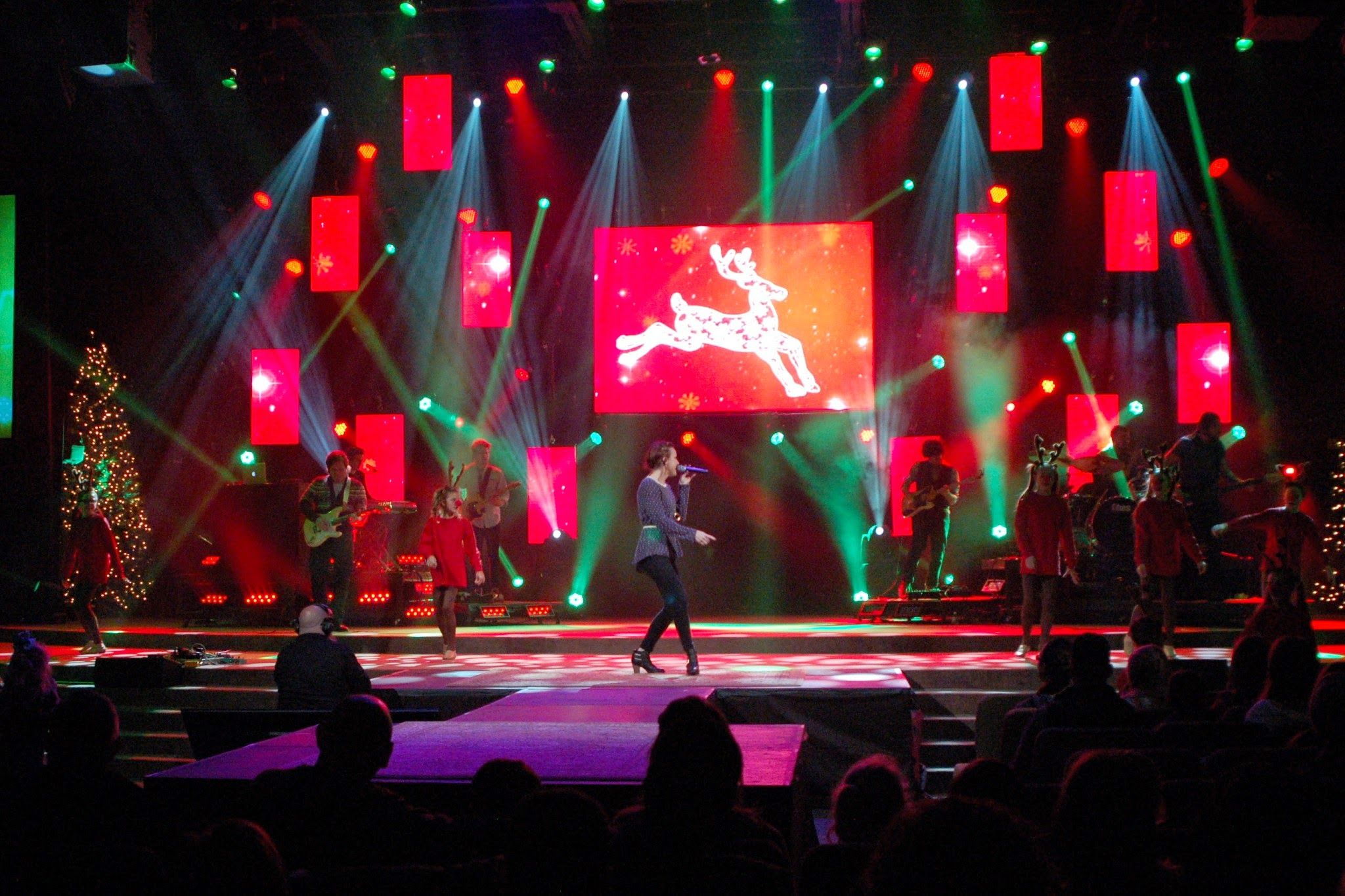 Repeat the LED | Church Stage Design Ideas | Christmas Set Ideas ...