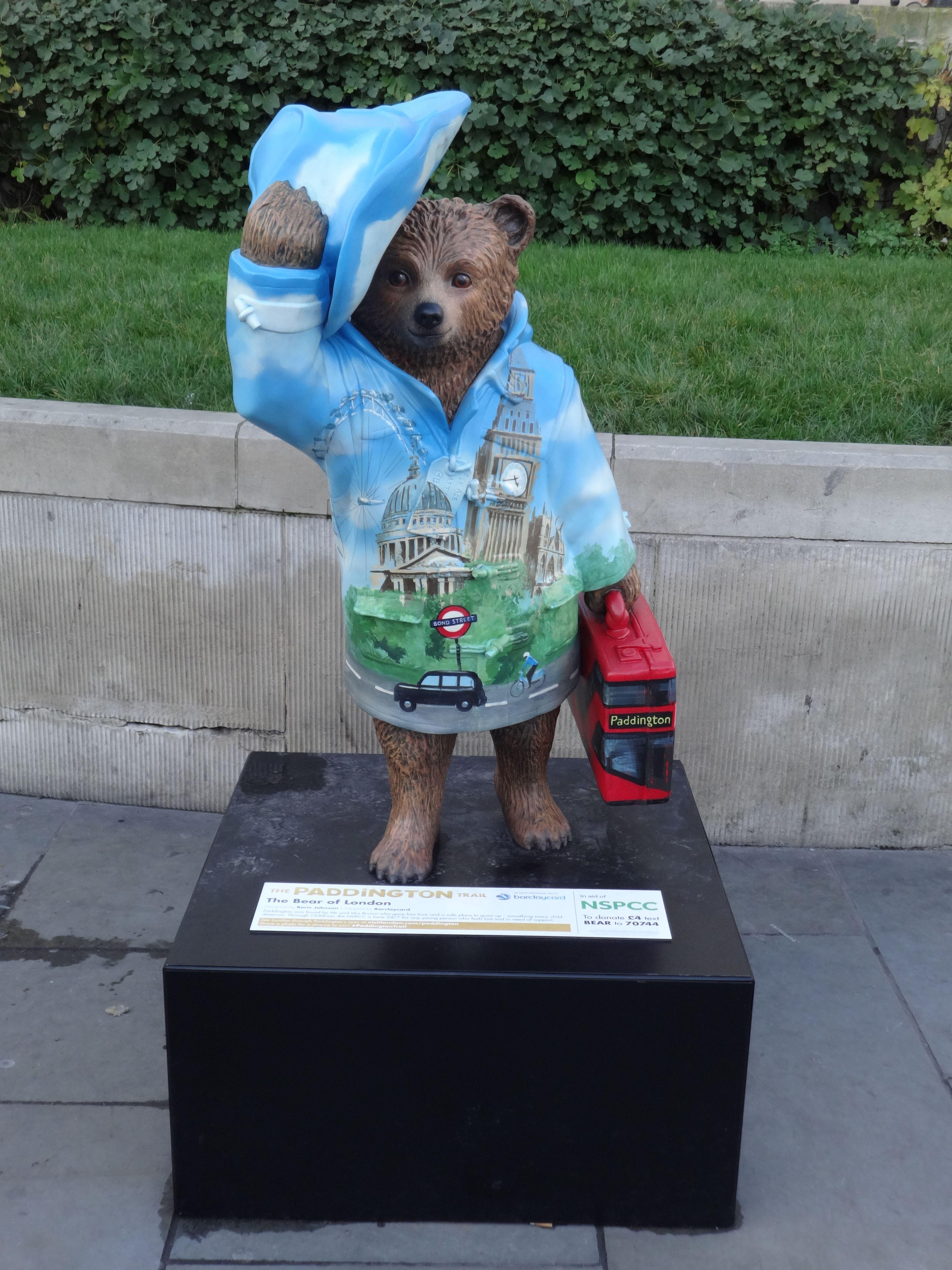 The Bear of London, Trafalgar Square Paddington