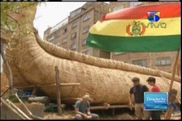 Bolivia: Artesanos Indigenas Están Construyendo Una Embarcación solo Con hojas De Bambú que Partirá desde Suramérica Hasta Australia