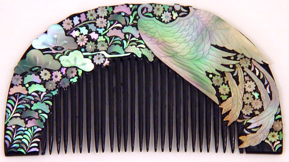 Vintage Lacquered Kushi, (Japanese Hair Comb), Inlaid with Abalone Shell | 1920