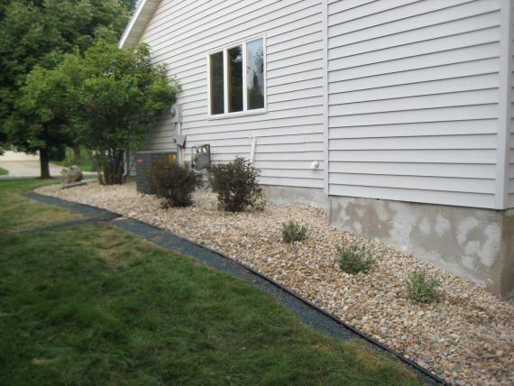 side of house landscaping garden house landscape outdoor decor home decor. Black Bedroom Furniture Sets. Home Design Ideas