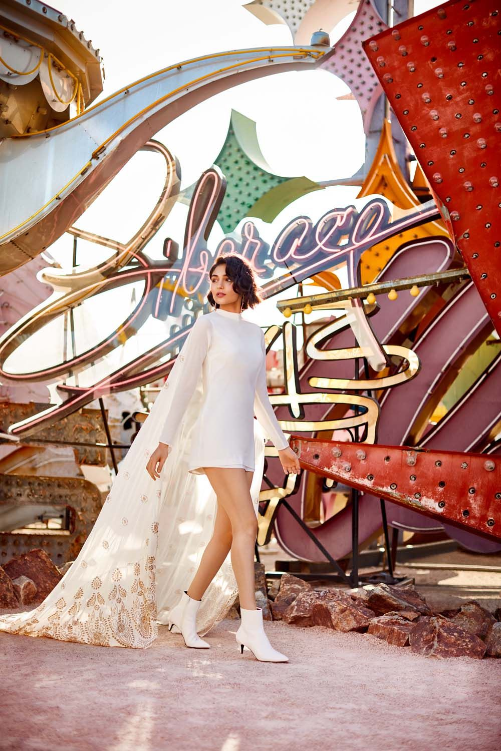 These Chic Bridal Outfits Are Perfect For A Las Vegas Destination Wedding Weddingbells Mini Wedding Dresses Vegas Wedding Dress Destination Wedding Gowns