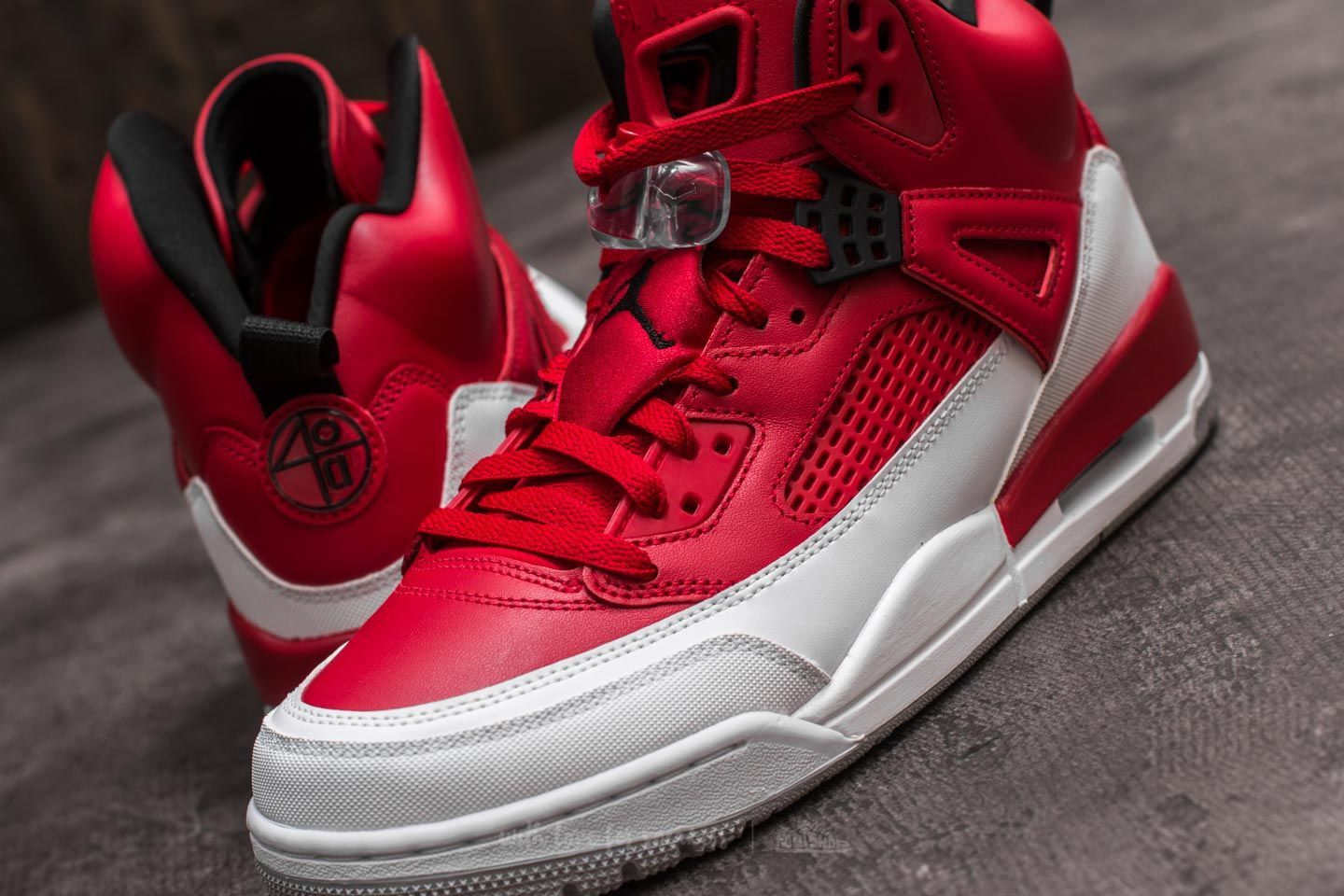 online store b0b09 7a03b Jordan Spizike Gym Red  Black-White-Wolf Grey at a great price 165 € buy at  Footshop