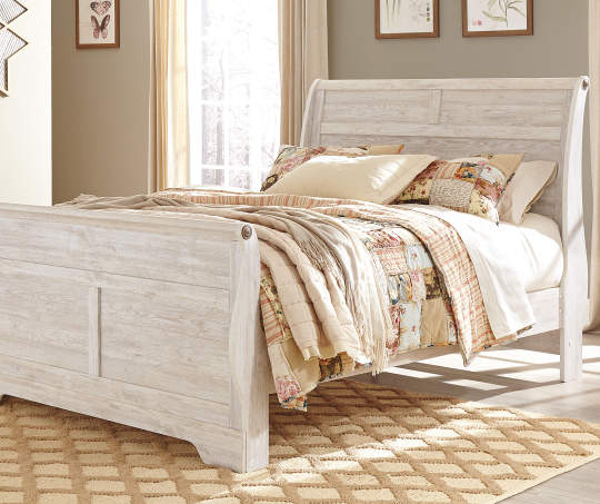 Signature Design by Ashley Willowton Queen Bed Living