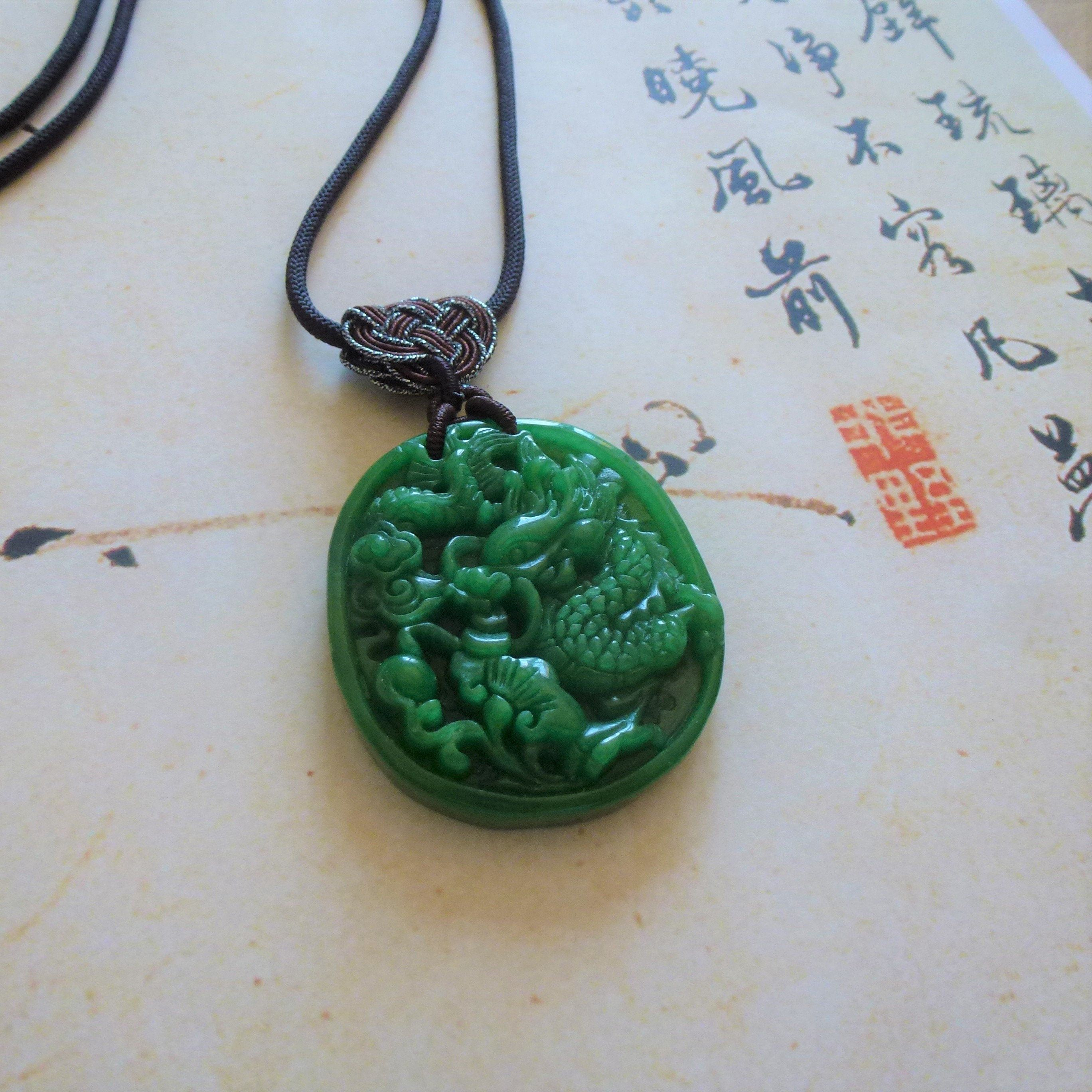collier en jade homme