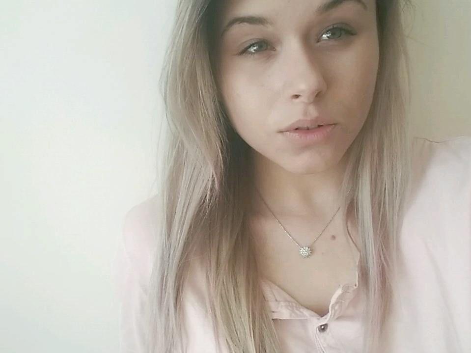 Make up - no make up jest moją ulubioną wiosenną opcją  cera mi za to podziękuje . . .  _____  #fashion #fashionblogger #lifestyle #lifestyleblogger #beauty#beautiful #naturalbeauty #nomakeup #simple #minimal #polishgirl #girl