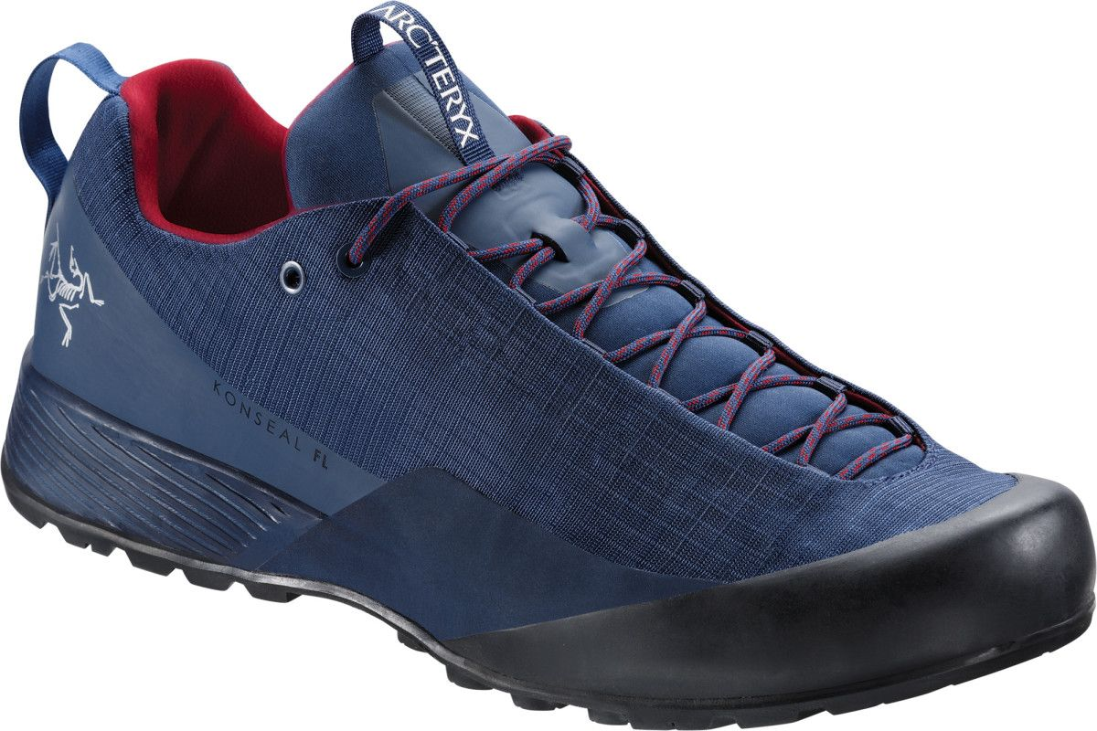 5bf4e0c9d330f0 The Best Hiking Shoes of 2018