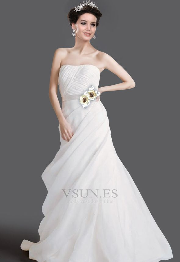 Vestido de novia Sin tirantes Capa de tul Blusa plisada Cola Capilla