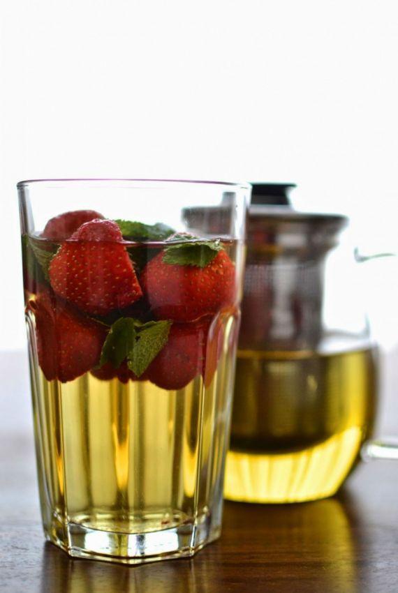 Simple comme un smoothie au thé vert et aux fraises