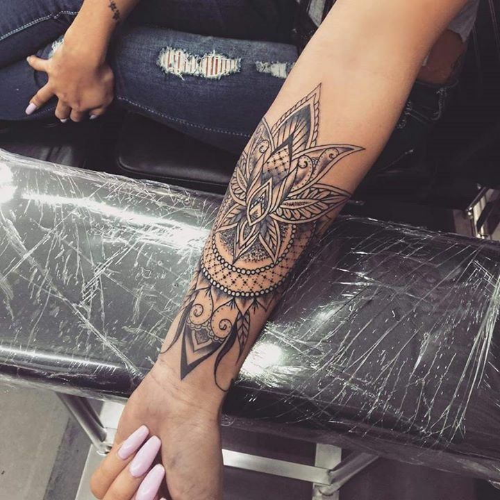 Totally Sweet But I Would Never Get It On My Arm Sleeve Tattoos For Women Arm Tattoos For Women Henna Tattoo Sleeve