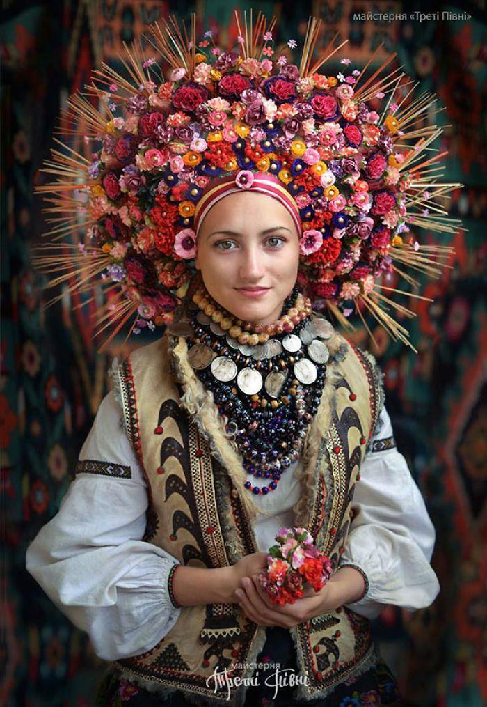 Traditional Ukrainian Crowns Traditional Ukrainian Crowns