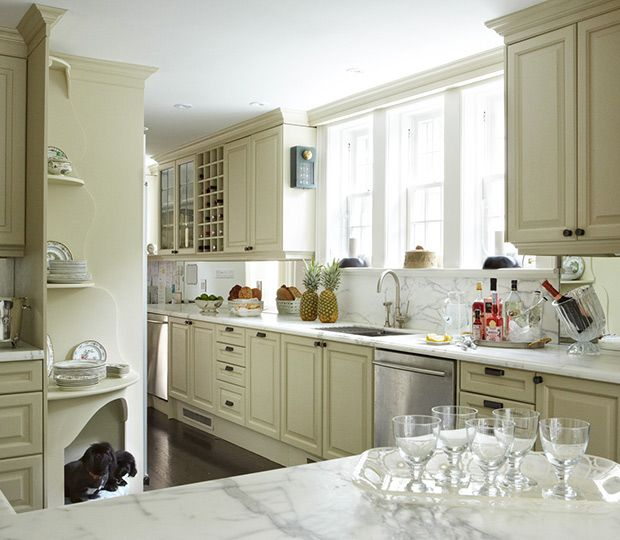 16 Traditional Kitchens With Timeless Appeal Georgian Kitchen Kitchen Style Kitchen Styling