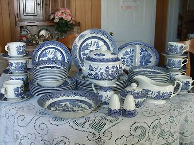 Churchill Service For Eight Blue Willow China Made In England Blue Willow China Blue Willow Willow Pattern