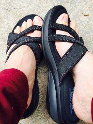 fe2082b2f56d Amazon.com  Skechers Cali Women s Promotes-Excellence Platform Sandal  Shoes