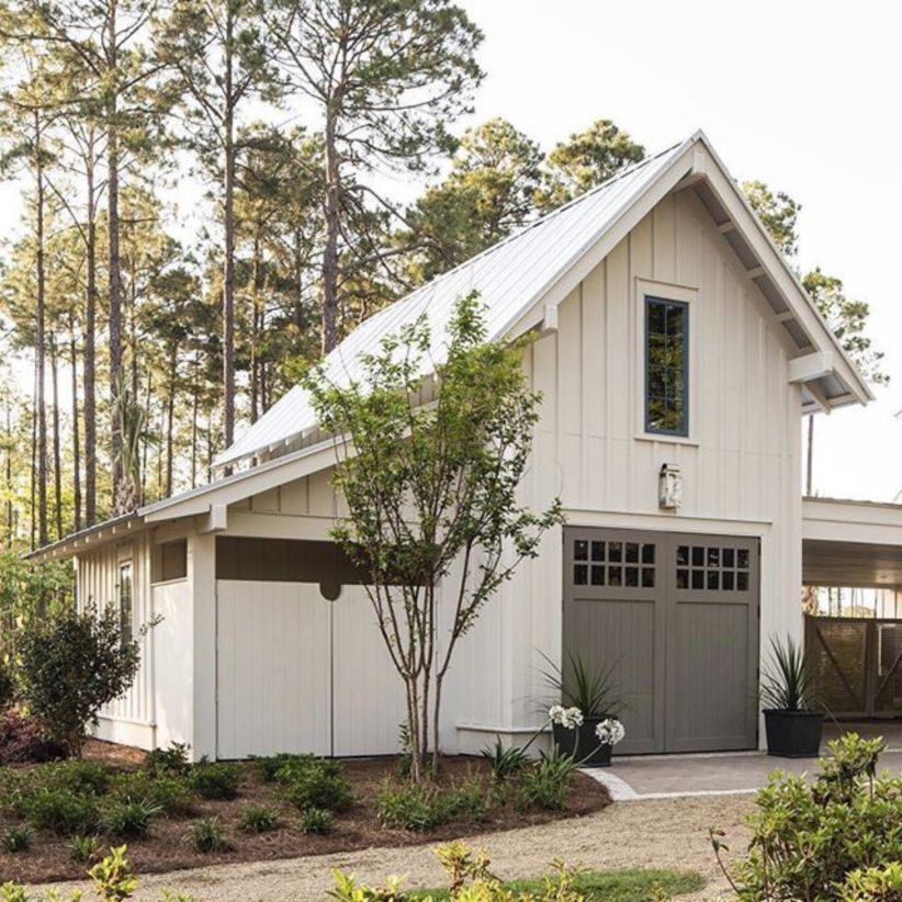 Modern Farmhouse With Matching Detached Garage 01