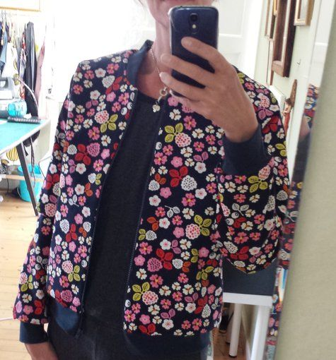 View details for the project Flower bomber jacket... on BurdaStyle.