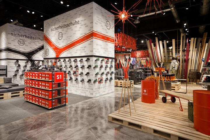 Engelbert Strauss Workwear Store By Plajer Franz Bergkirchen Germany Workwear Store Retail Store Design Retail Design