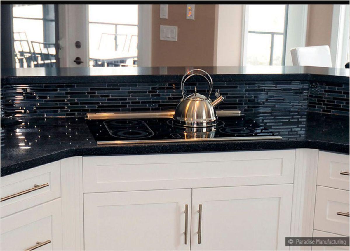 60 Beautiful Kitchens Ideas With Black Granite Roundecor Tile Countertops Kitchen Black Backsplash Black Tiles Kitchen