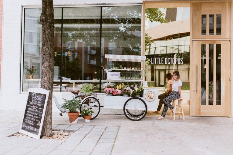 petal flower cart Flower cart, Nashville photographers