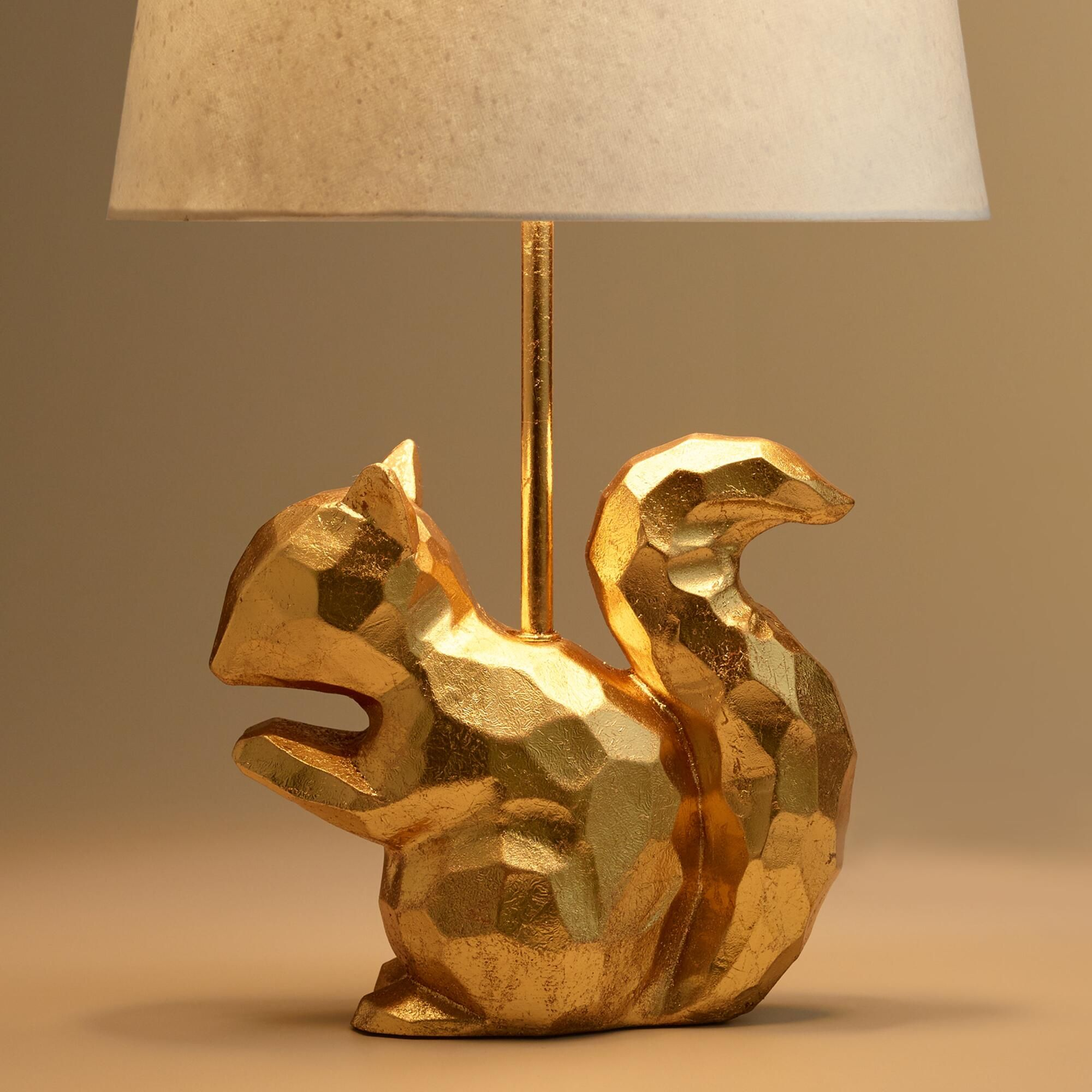 Captivating A Lively Accent For Any Animal Lover, Our Stunning Squirrel Desk Lamp  Boasts A Geometric