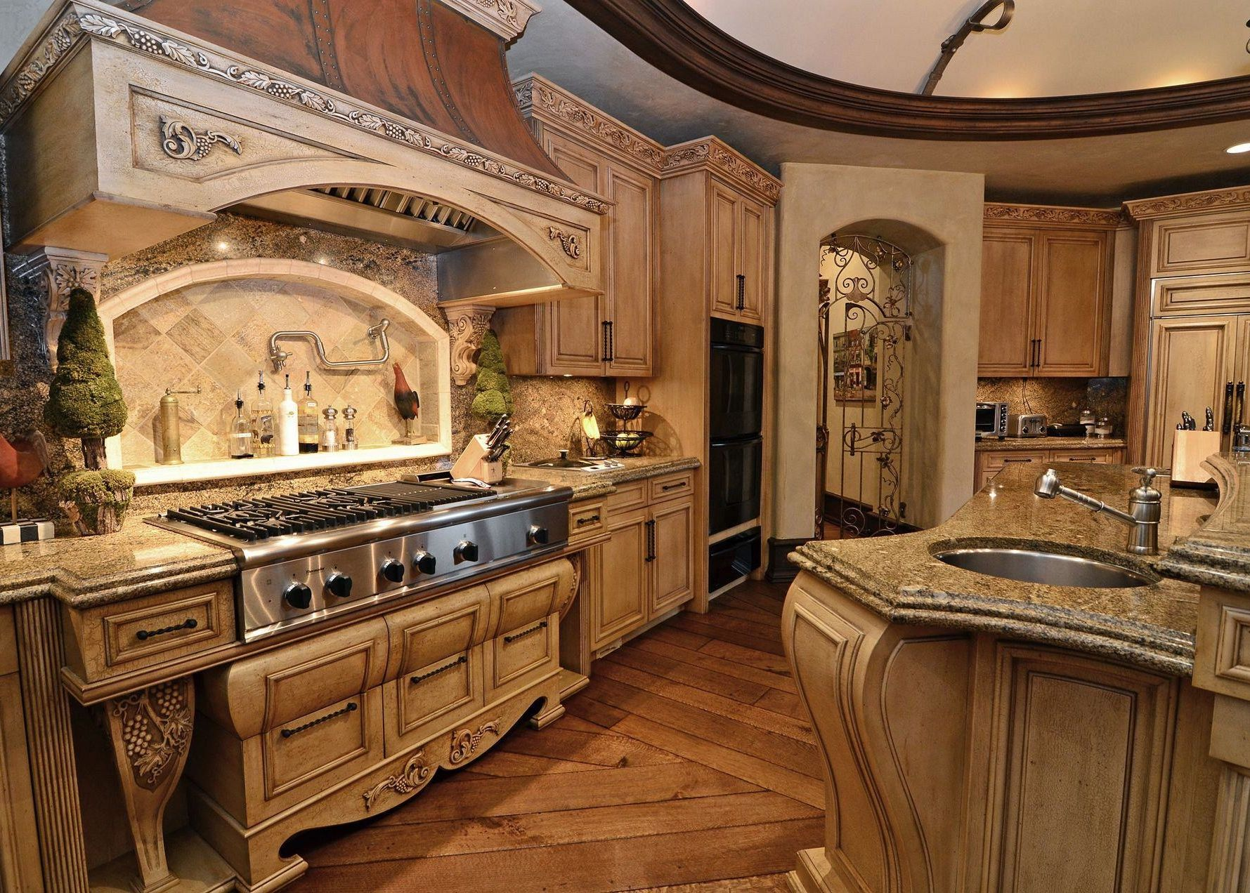 Old world kitchens interior and exterior design ideas for Old country style kitchen ideas