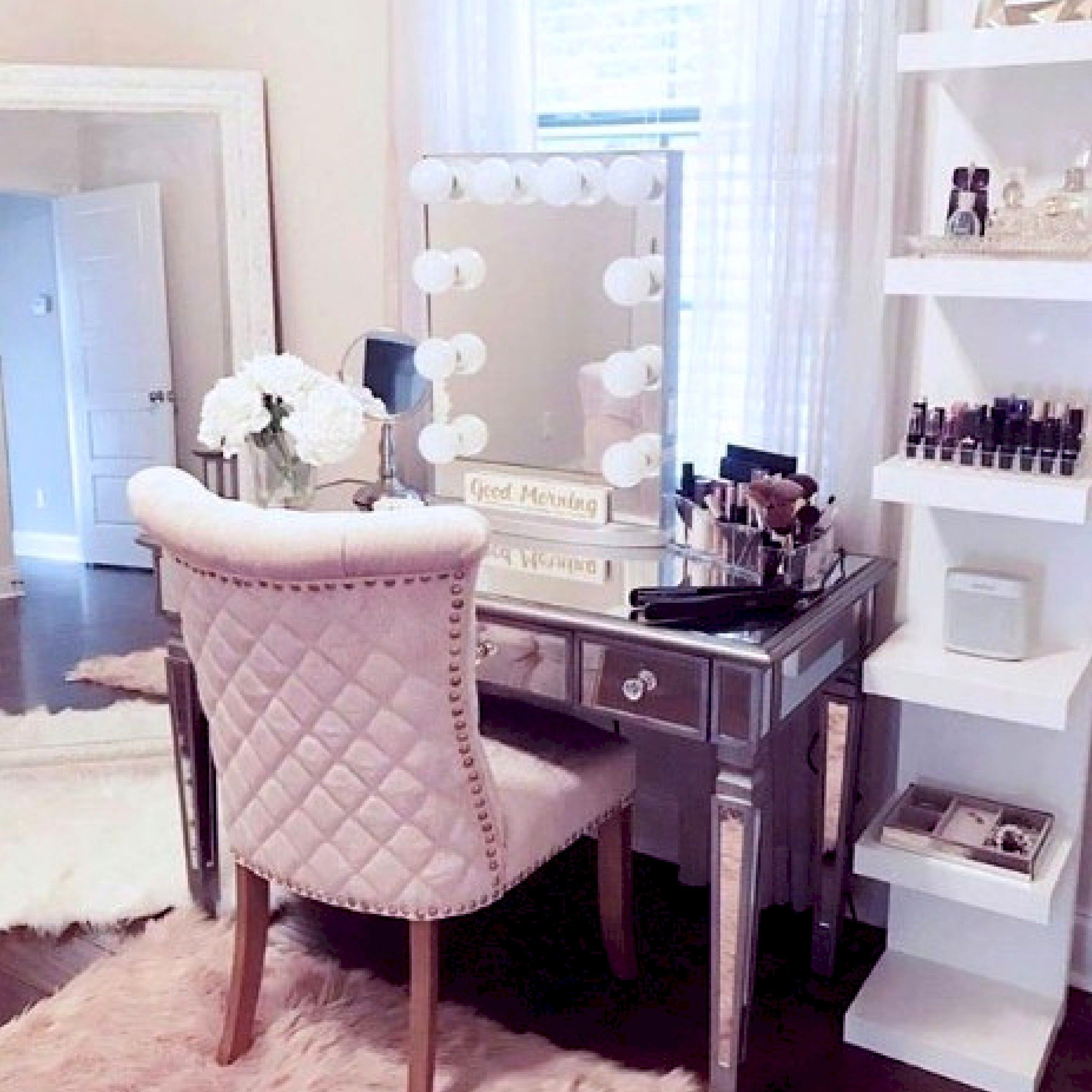 Salon Interior Design Pictures Hair And Beauty Salon Interior Design Hair Salon Interior Design Software Bes In 2020 Beauty Room Mirrored Vanity Table Room Planner