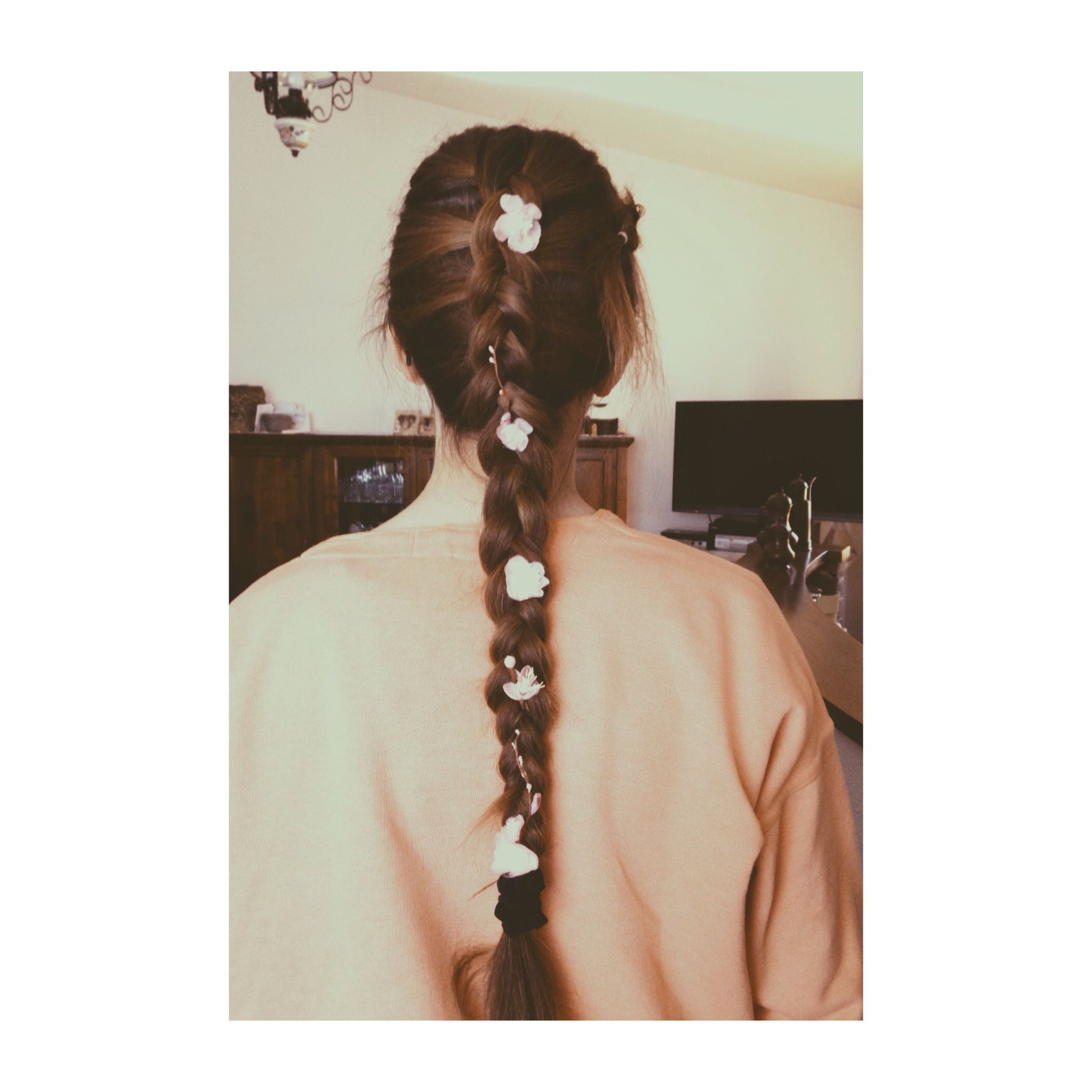 Spring is in the air Braid and flowers  Hair  Pinterest