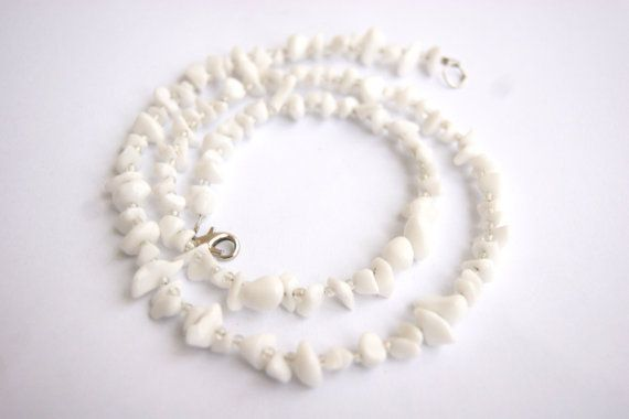 White howlite necklace with glossy white beads spaces
