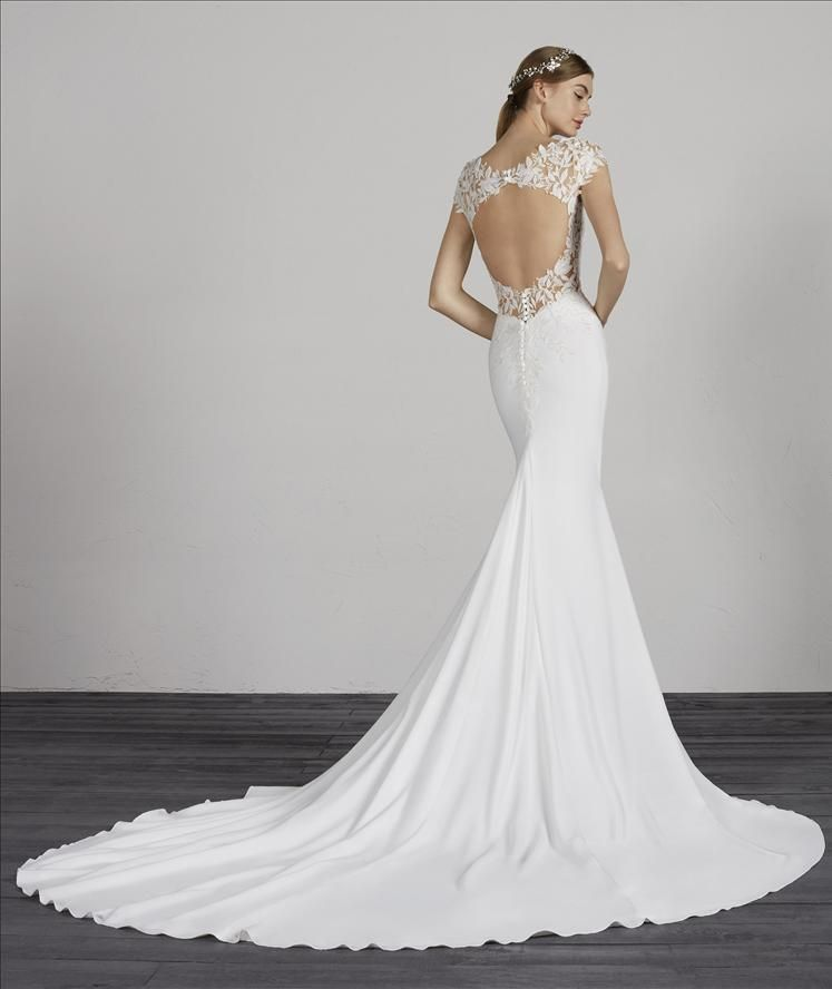 Melva Luv Bridal And Formal In 2020 Pronovias Wedding Dress Mermaid Wedding Dress Wedding Dress Shopping