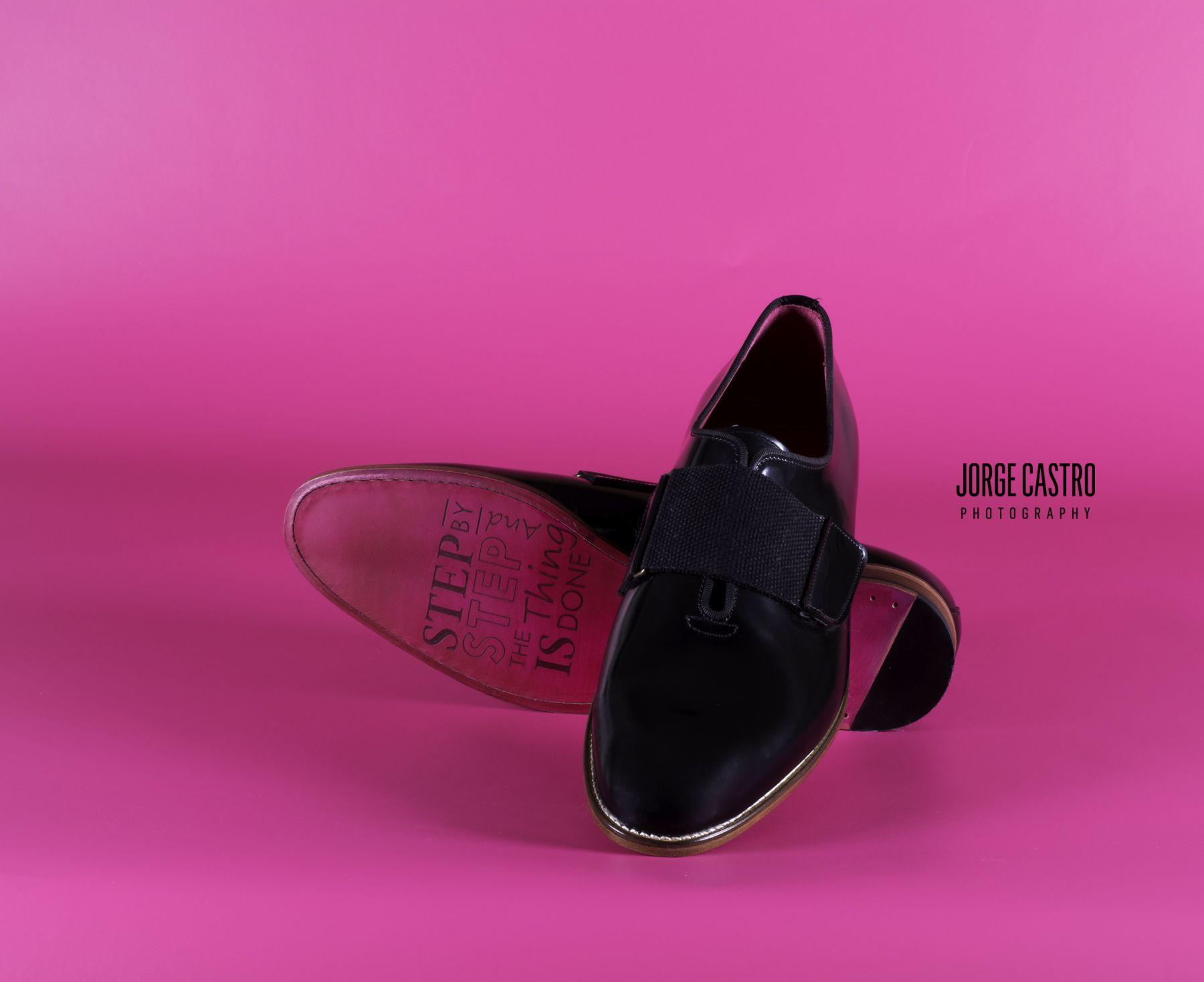#vicriporto #sapatos #photography #pink #fotografiadeproduto #sapatosmadeemportugal #clasico #fashion #sapatopreto  #porto #portugal #madeemportugal