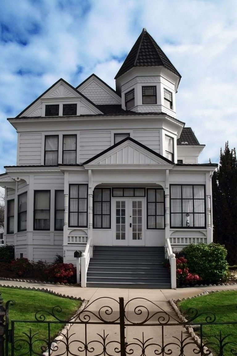 50 Exciting Victorian Tiny House Amazing Ideas Victorian Homes Exterior Old Victorian Homes Victorian Homes