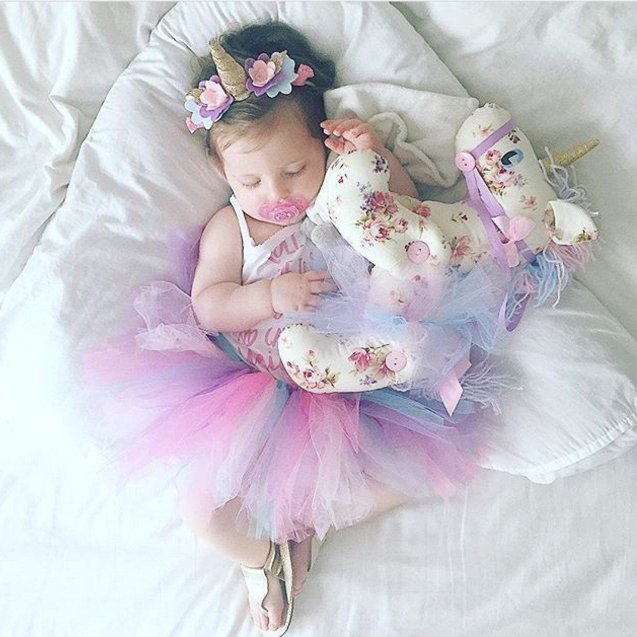 00ab2ec188f93 This is a super cute first birthday outfit unicorn headband and ...