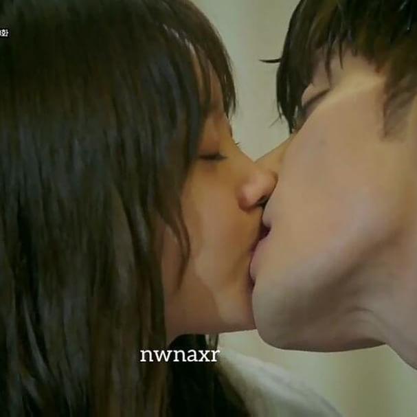 Kiss Scene Clip 2 焦急的羅曼史 애타는로맨스 My Secret Romance Ep8